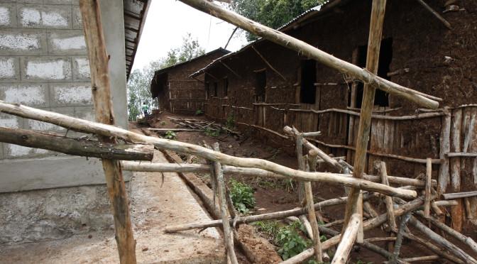 Uusi koulurakennus valmistuu vanhan viereen